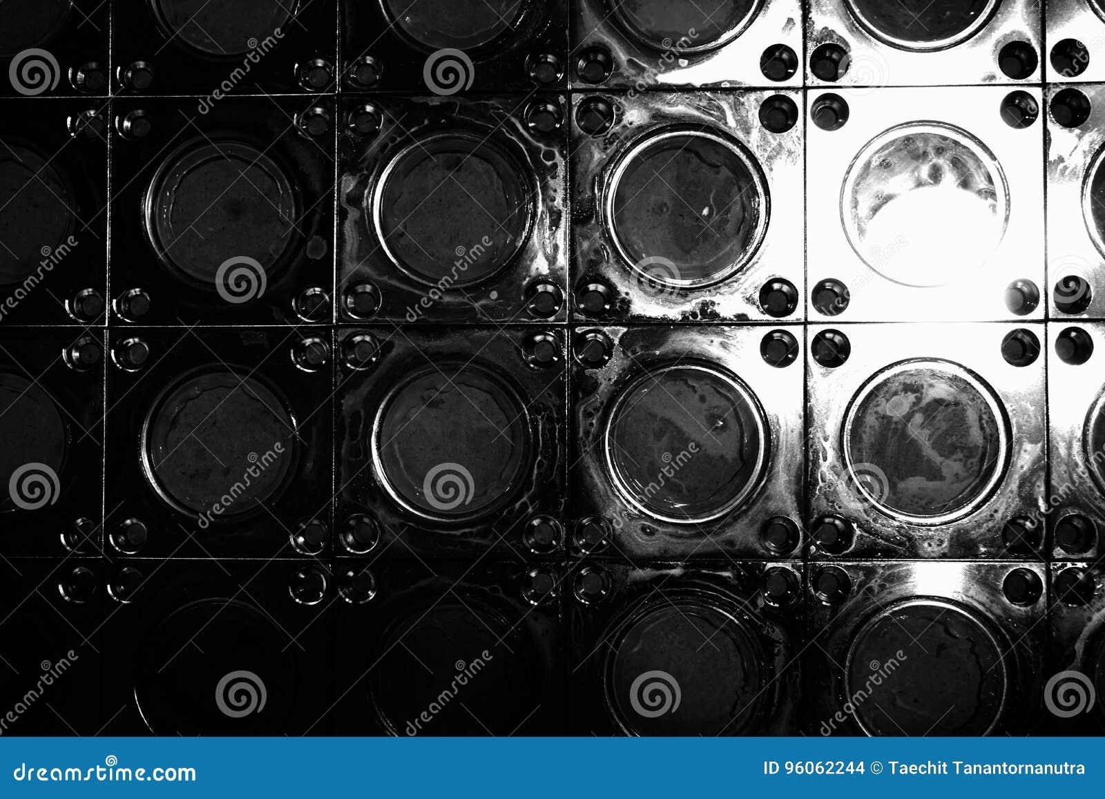 Cercle abstrait en métal