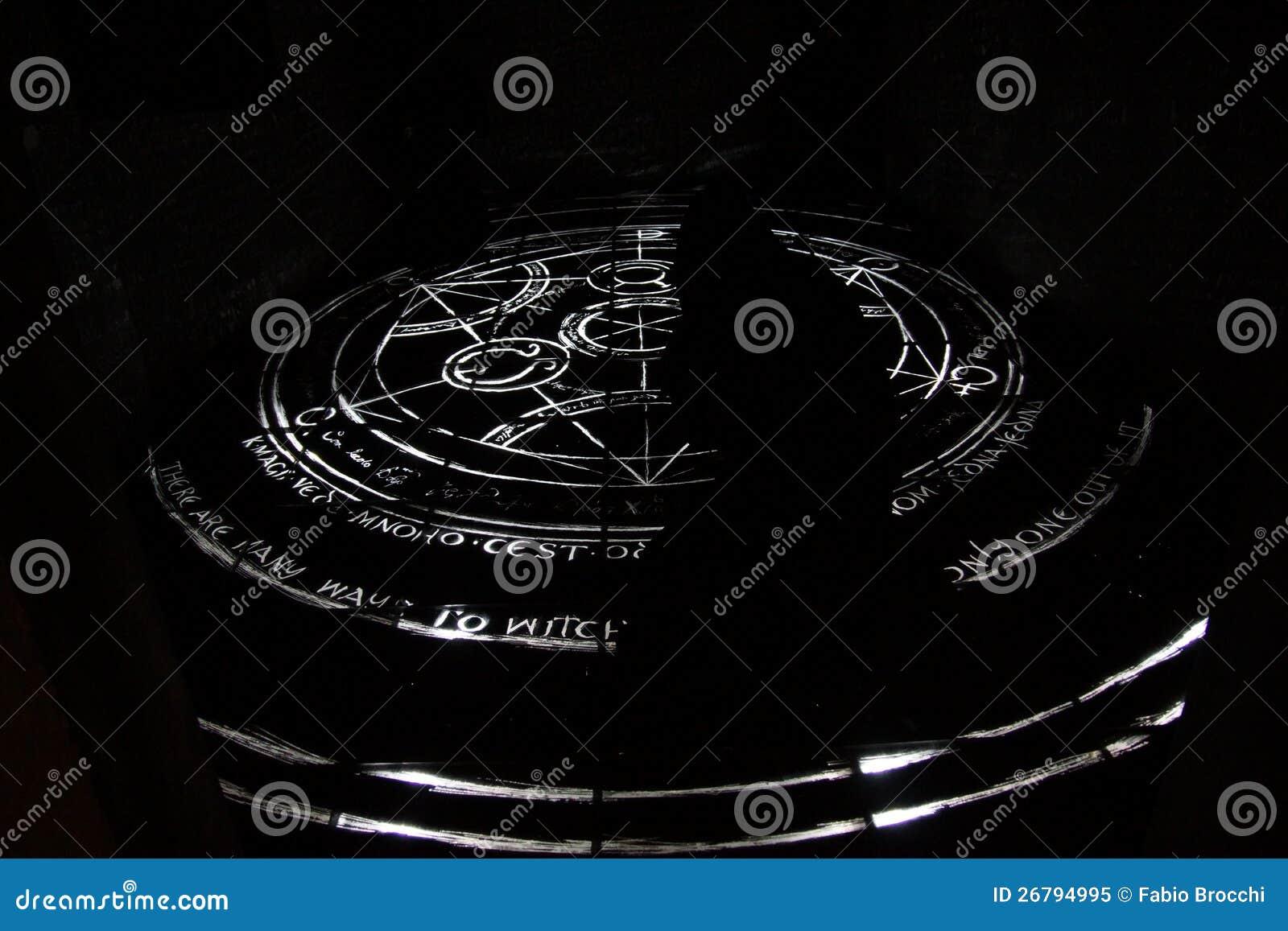 Top Cercle d'alchimie image stock. Image du alchimiste, noir - 26794995 TF56