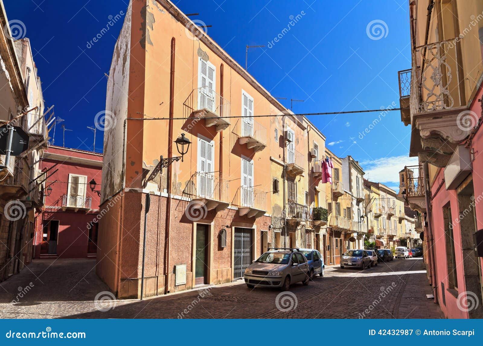 Cerdeña - calle en Carloforte