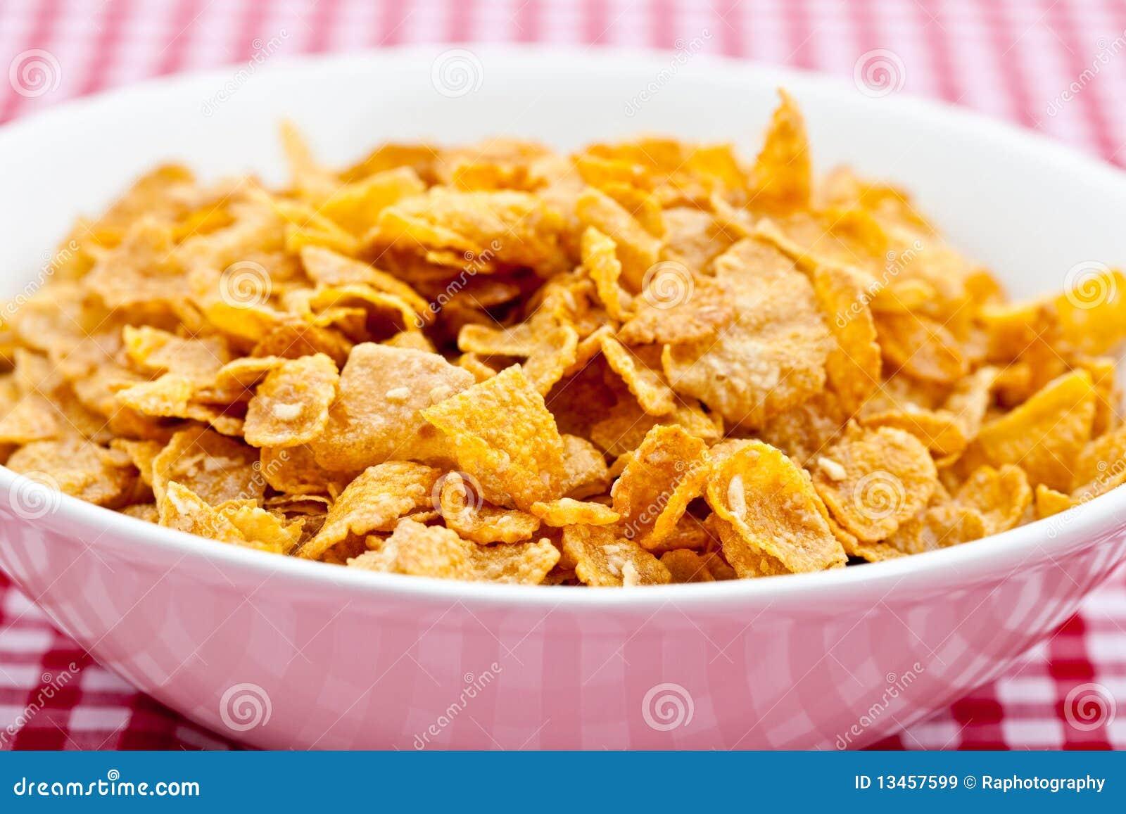 Cereal de desayuno en un taz n de fuente blanco im genes for Tazon cereales