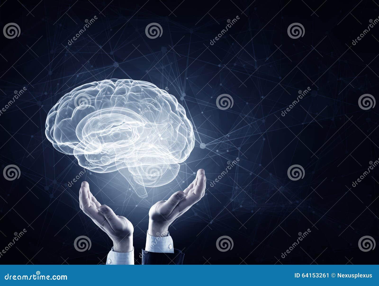 Cerebro en las manos masculinas
