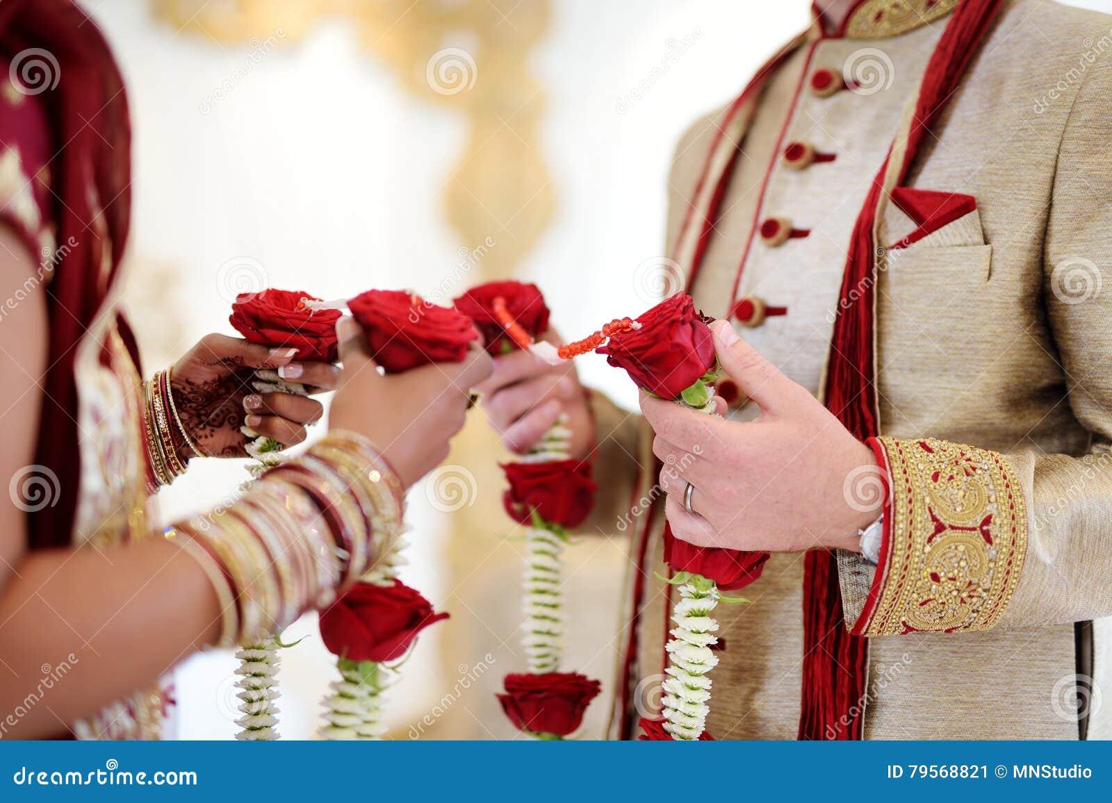 Ceremonia de boda hindú asombrosa Detalles de la boda india tradicional