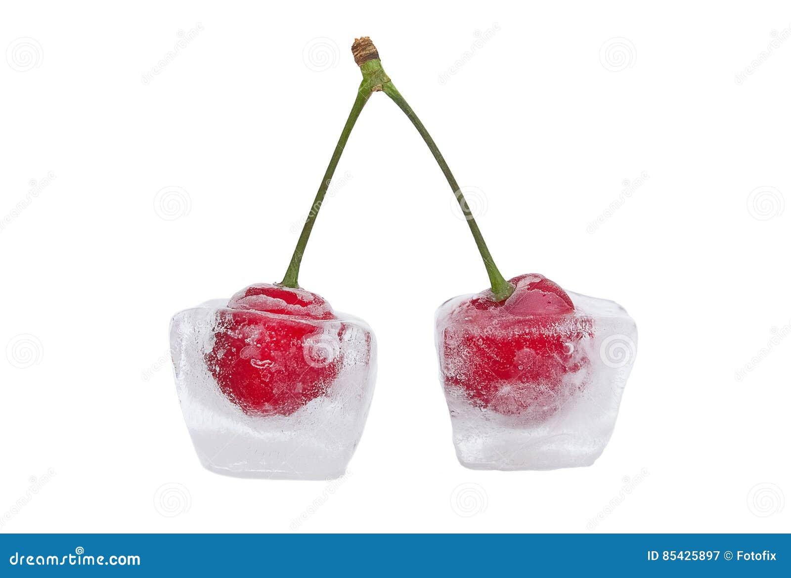 Cerezas en cubos de hielo