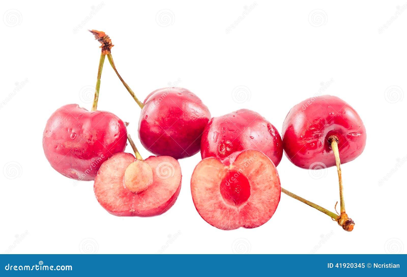 Cerezas rojo oscuro, fondo aislado, blanco