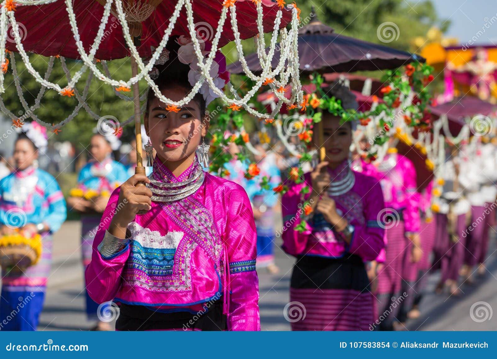 Cerimônia de inauguração 2017 de Chiang Mai Flower Festival do aniversário
