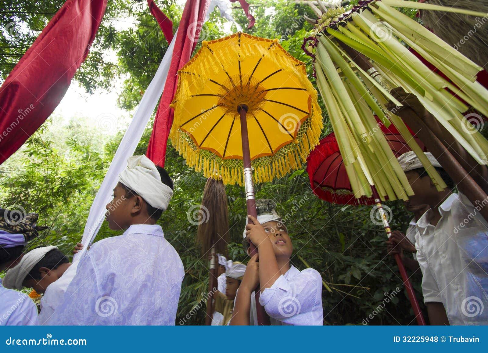 Download Cerimônia do Balinese foto de stock editorial. Imagem de garment - 32225948