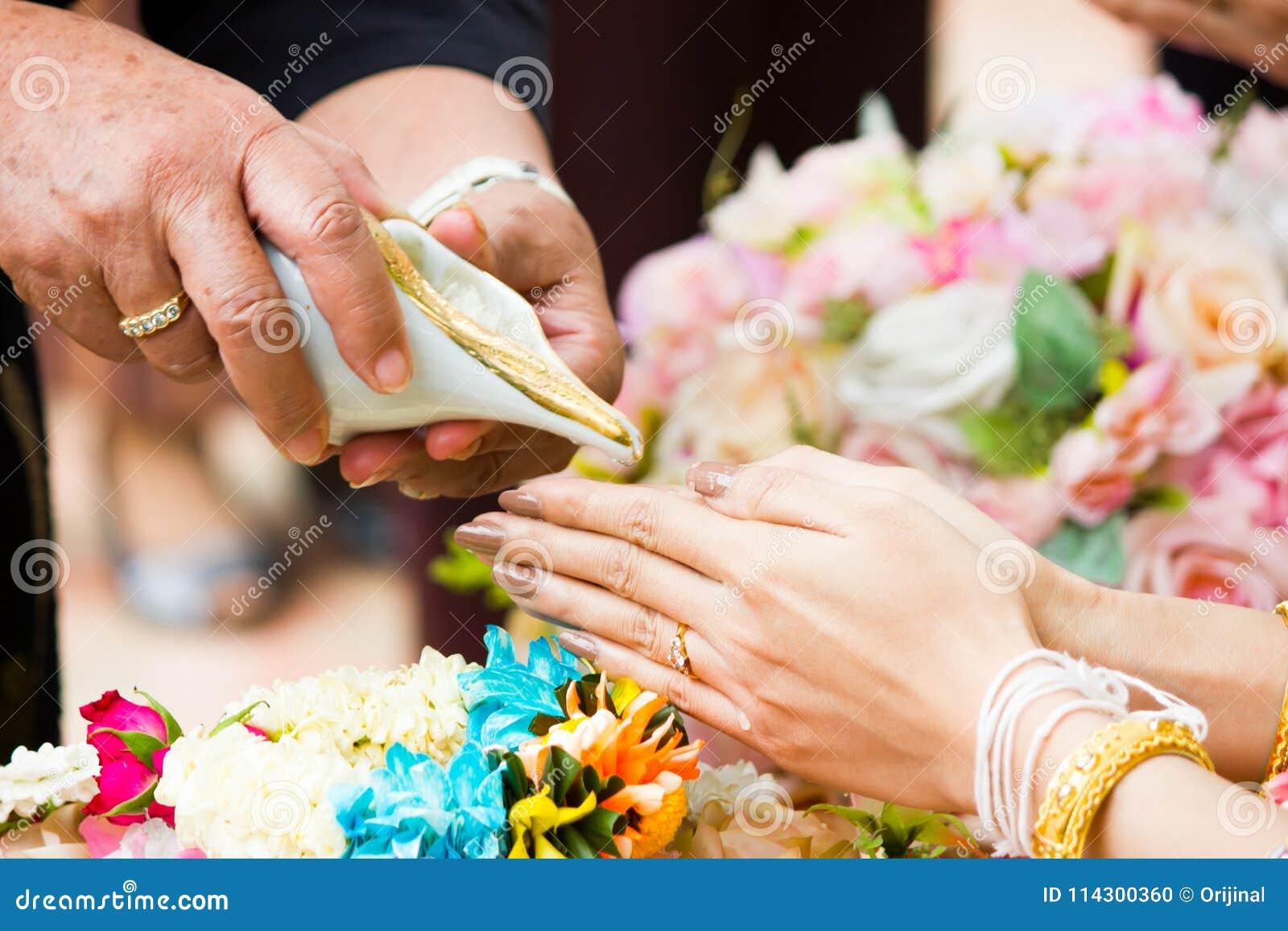 0f573751d826 Cerimonia Di Nozze Tailandese