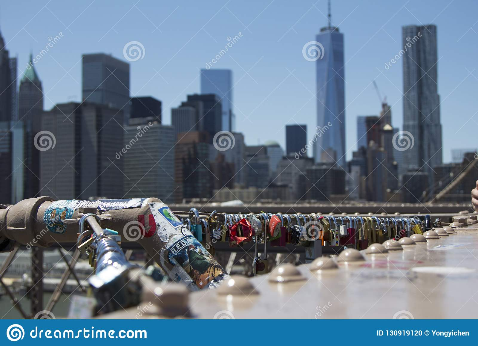 Cerraduras del amor en el puente de Brooklyn New York City