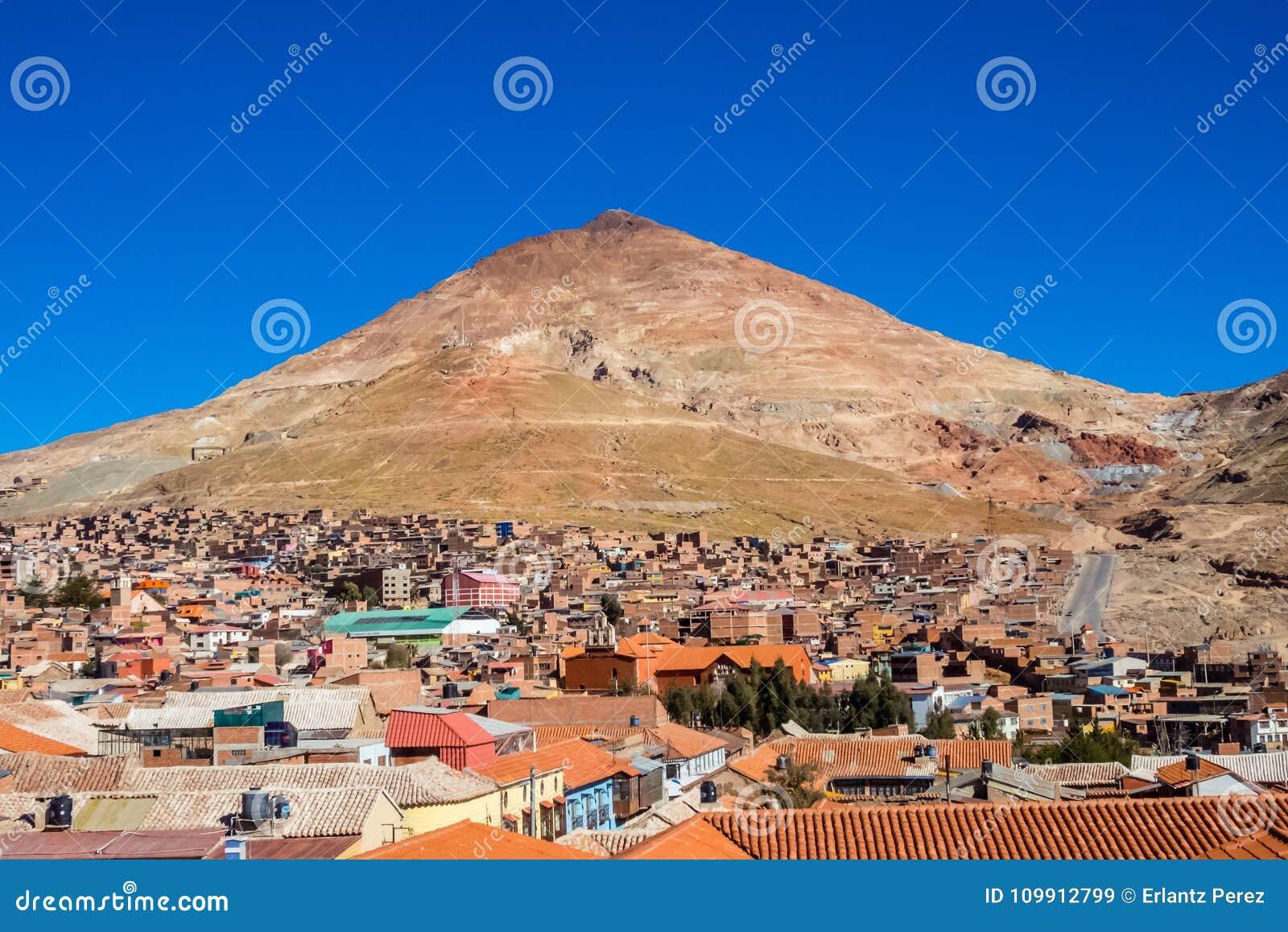 Cerro Rico mountais in Potosi, Bolivië