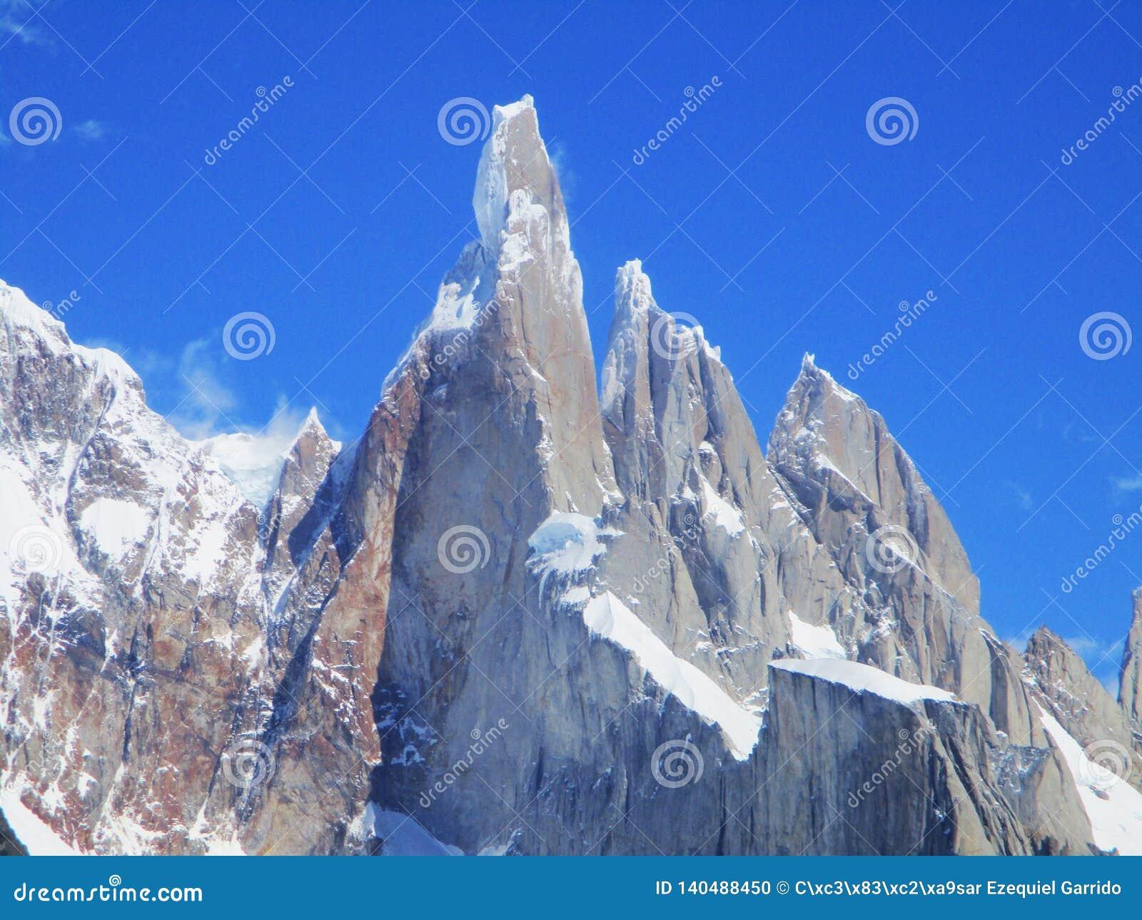 Cerro Torre Groot Close-up, Trekking Gr Chalten Argentinië