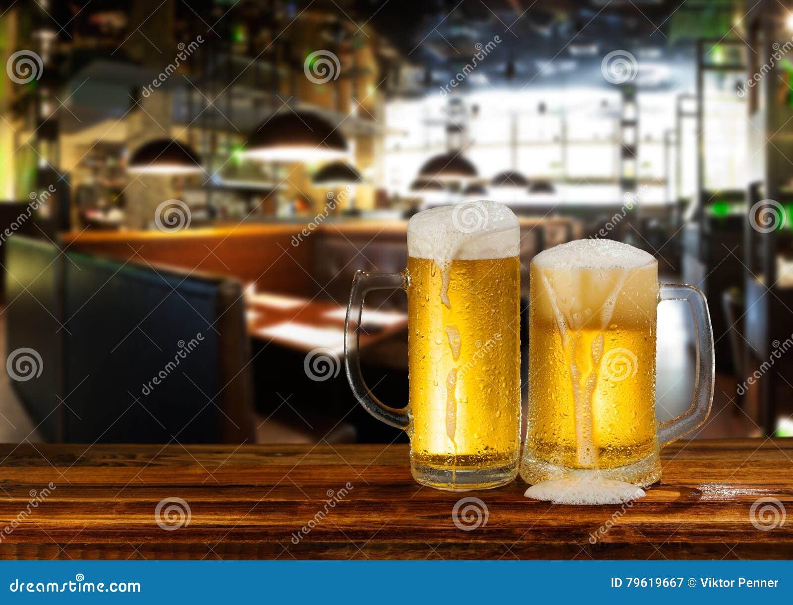 Cerveja clara fria