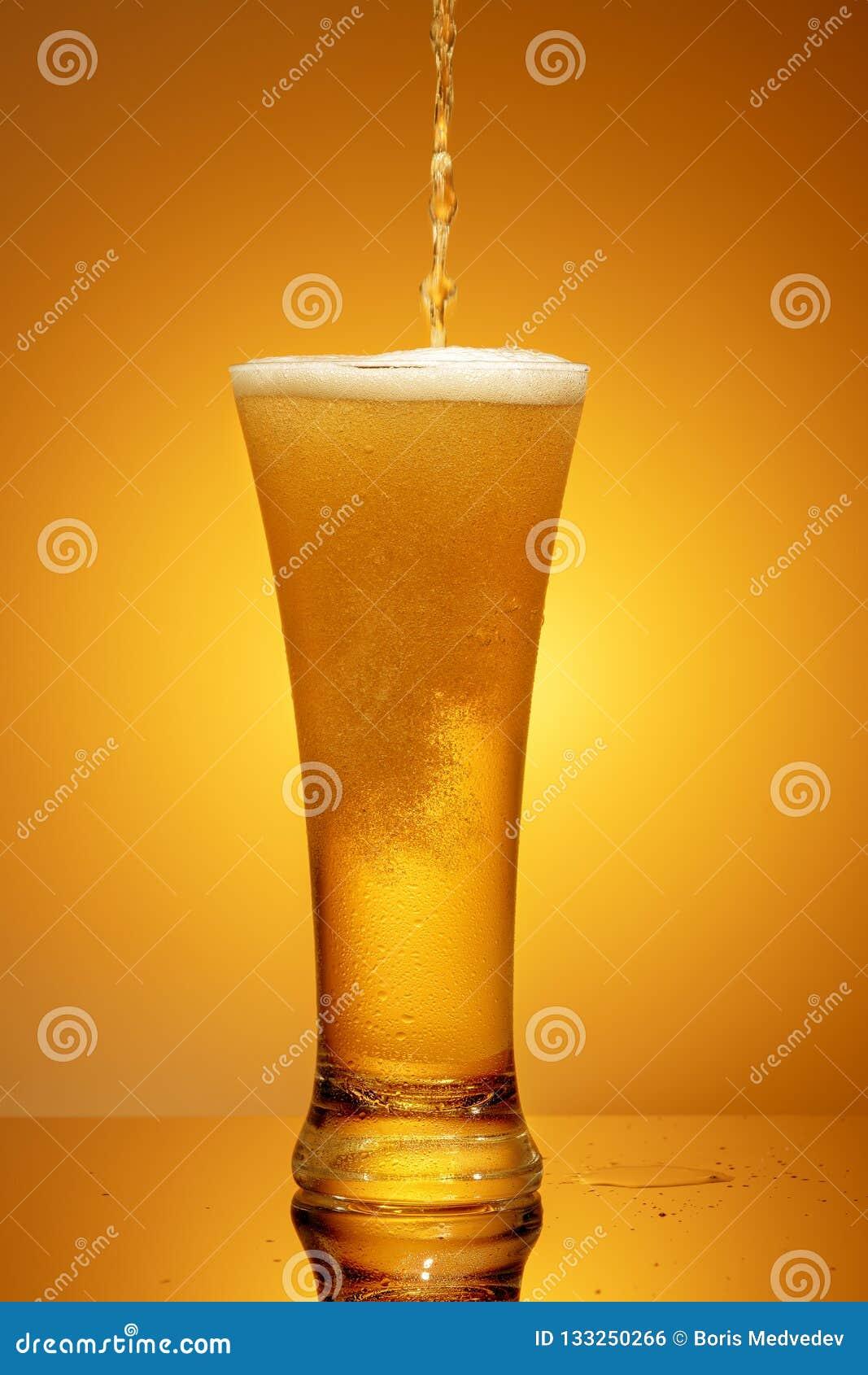 Cerveja em um vidro