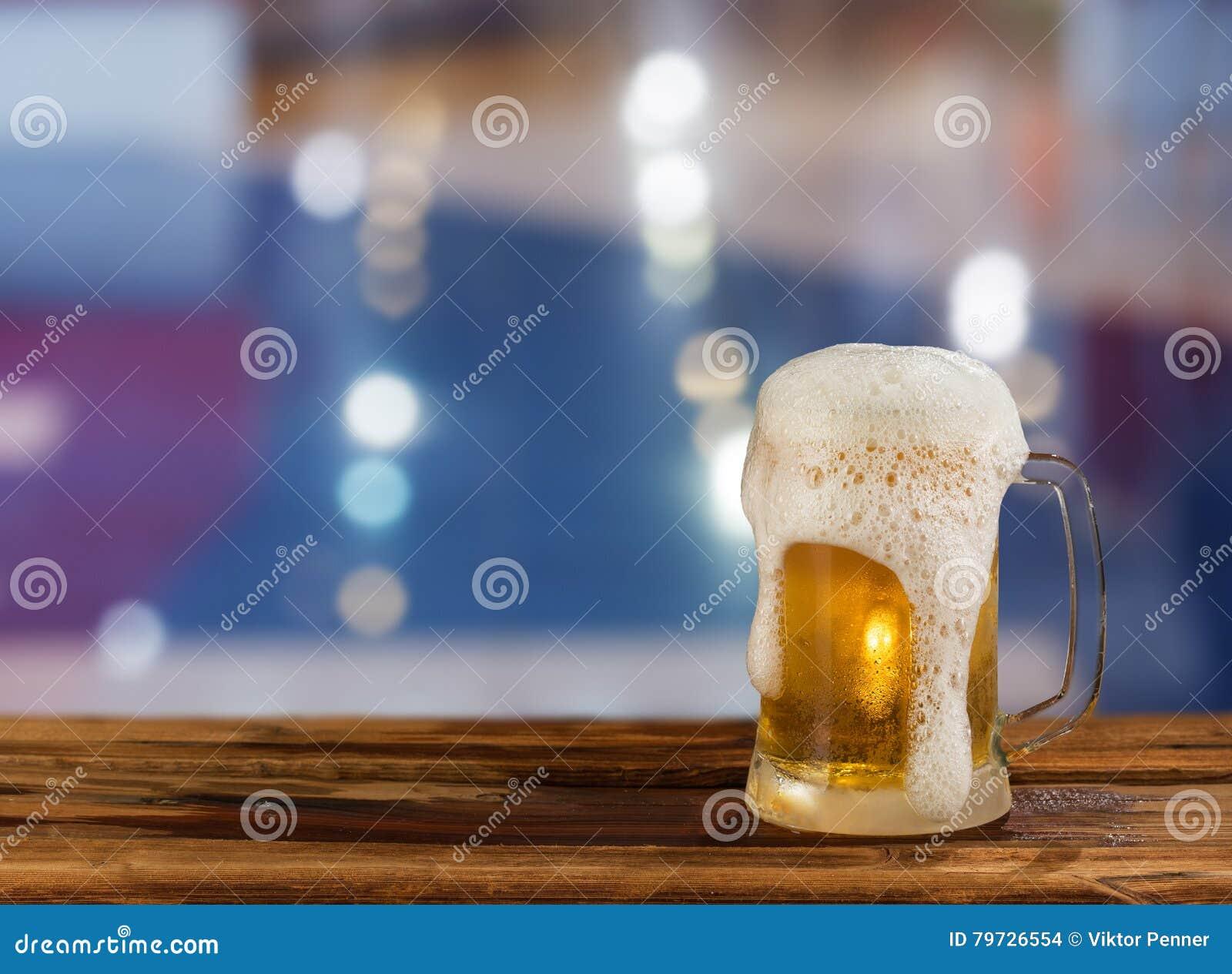 Cerveza ligera fría