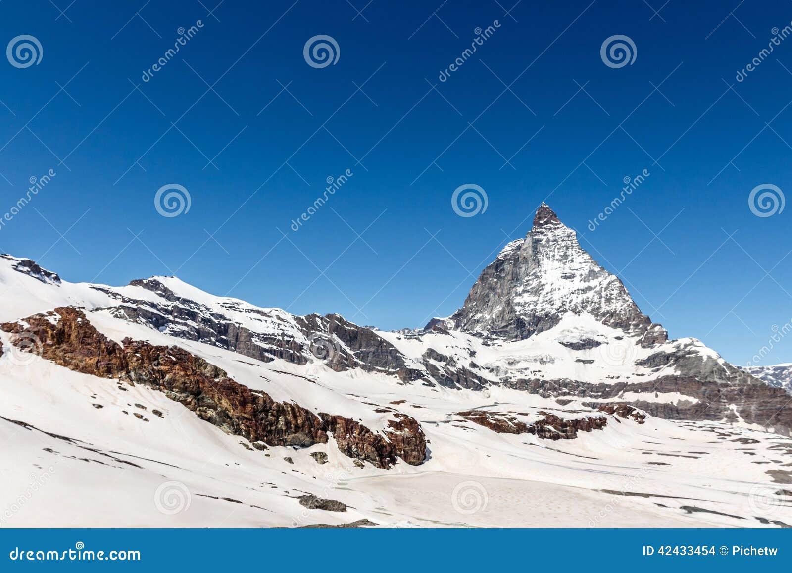 Cervino con el fondo del cielo azul, Zermatt, Suiza