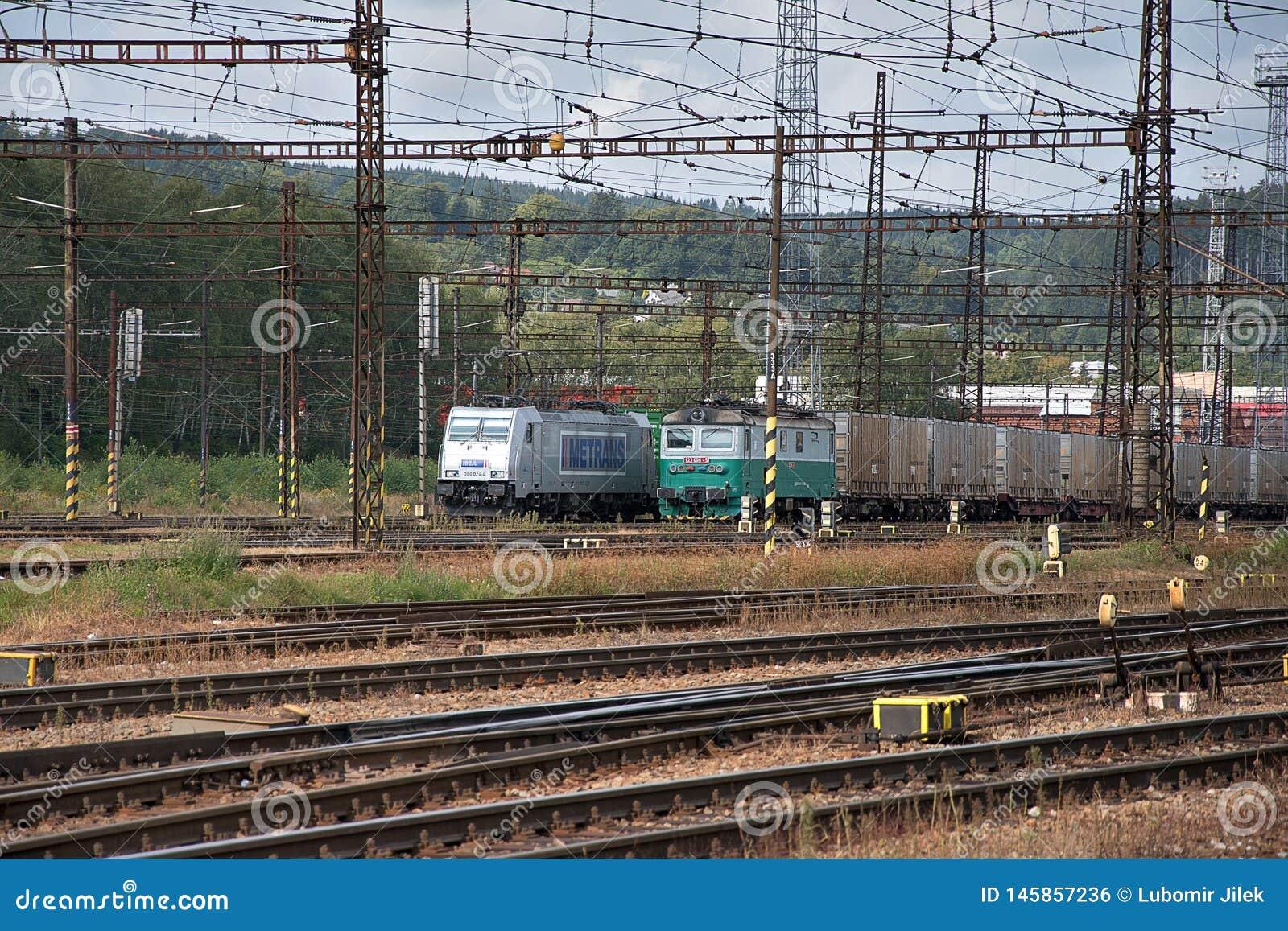Ceska Trebova, R?publique Tch?que, 8 9 2017 : Jonction ferroviaire et gare ferroviaire Ceska Trebova, chemins de fer tchèques