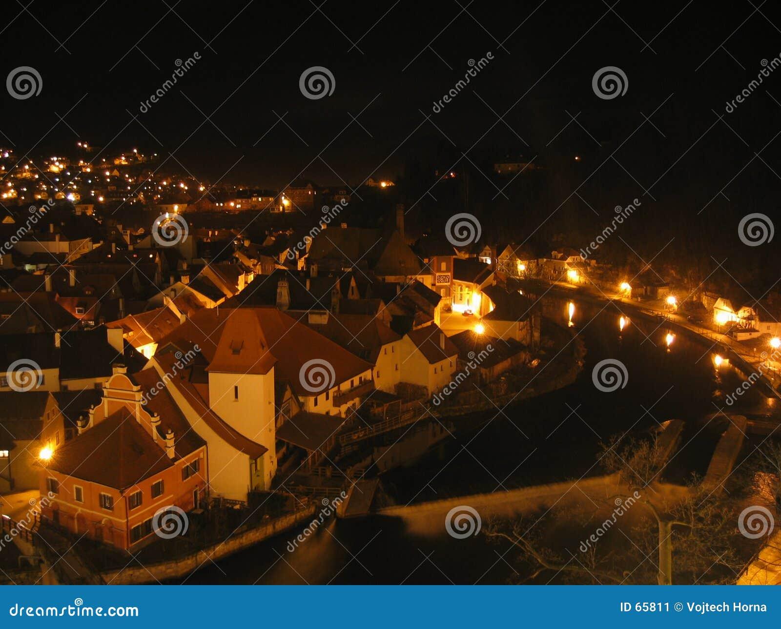Cesky Krumlov bij nacht