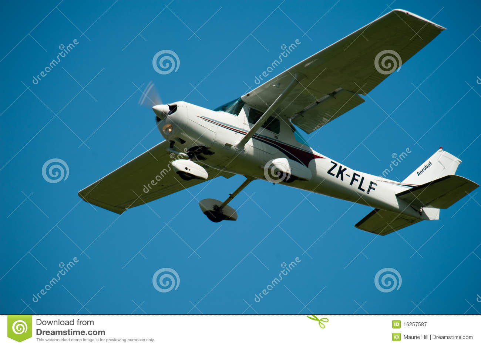 Cessna 152 en vuelo