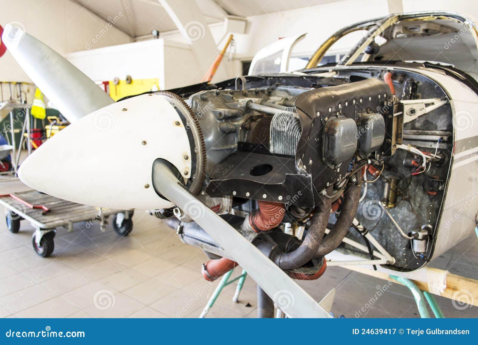 Cessna 152 Engine Royalty Free Stock Photography - Image ...