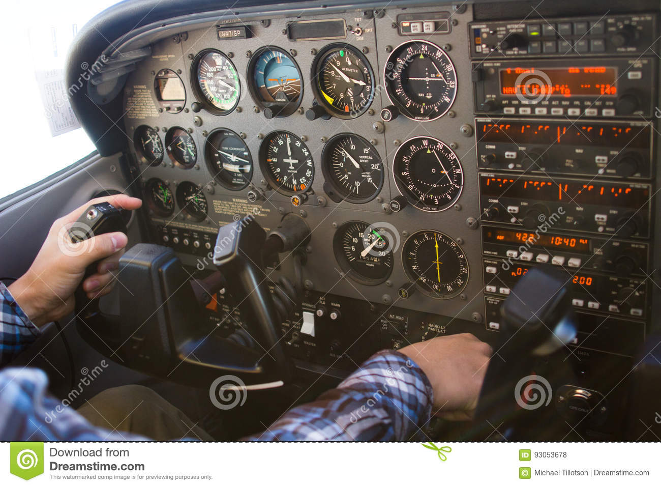 Cessna 172 control panel | Basic Flight Instruments and Controls of