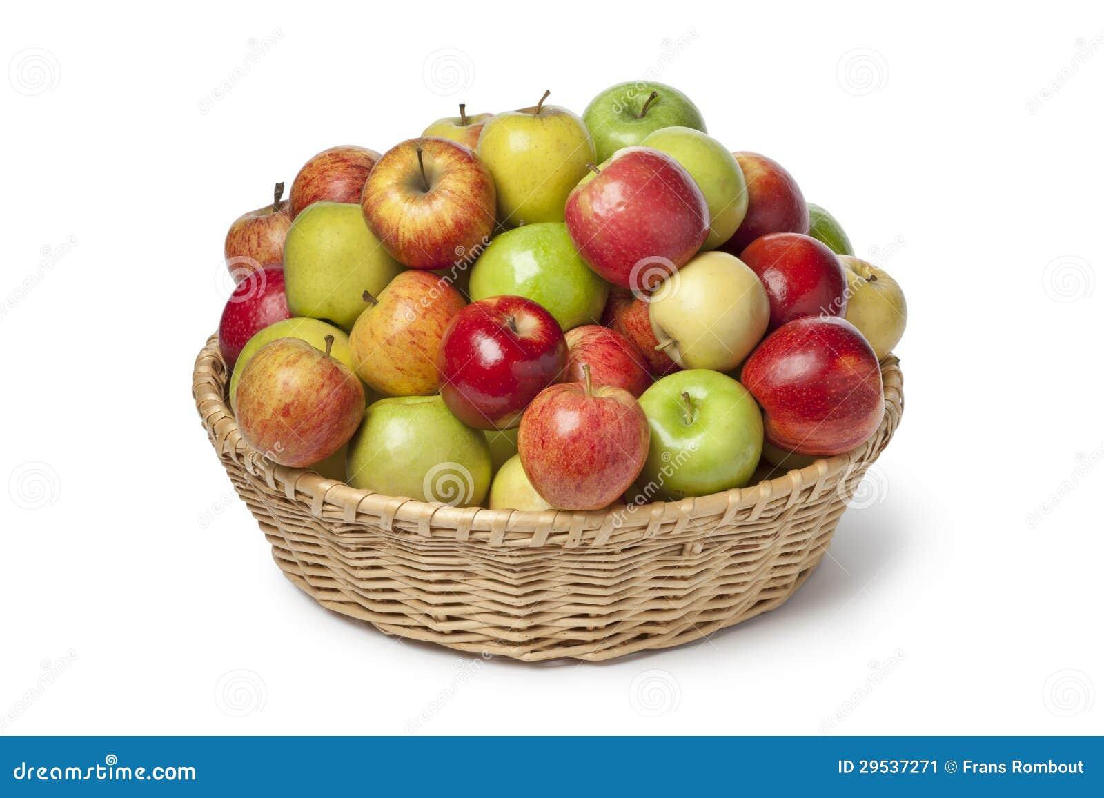 Cesta com tipos diferentes de maçãs