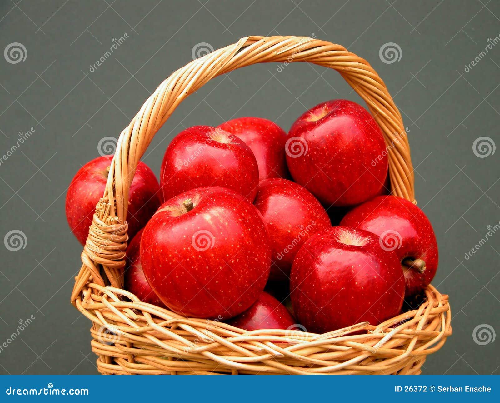 Cesta das vitaminas - maçãs