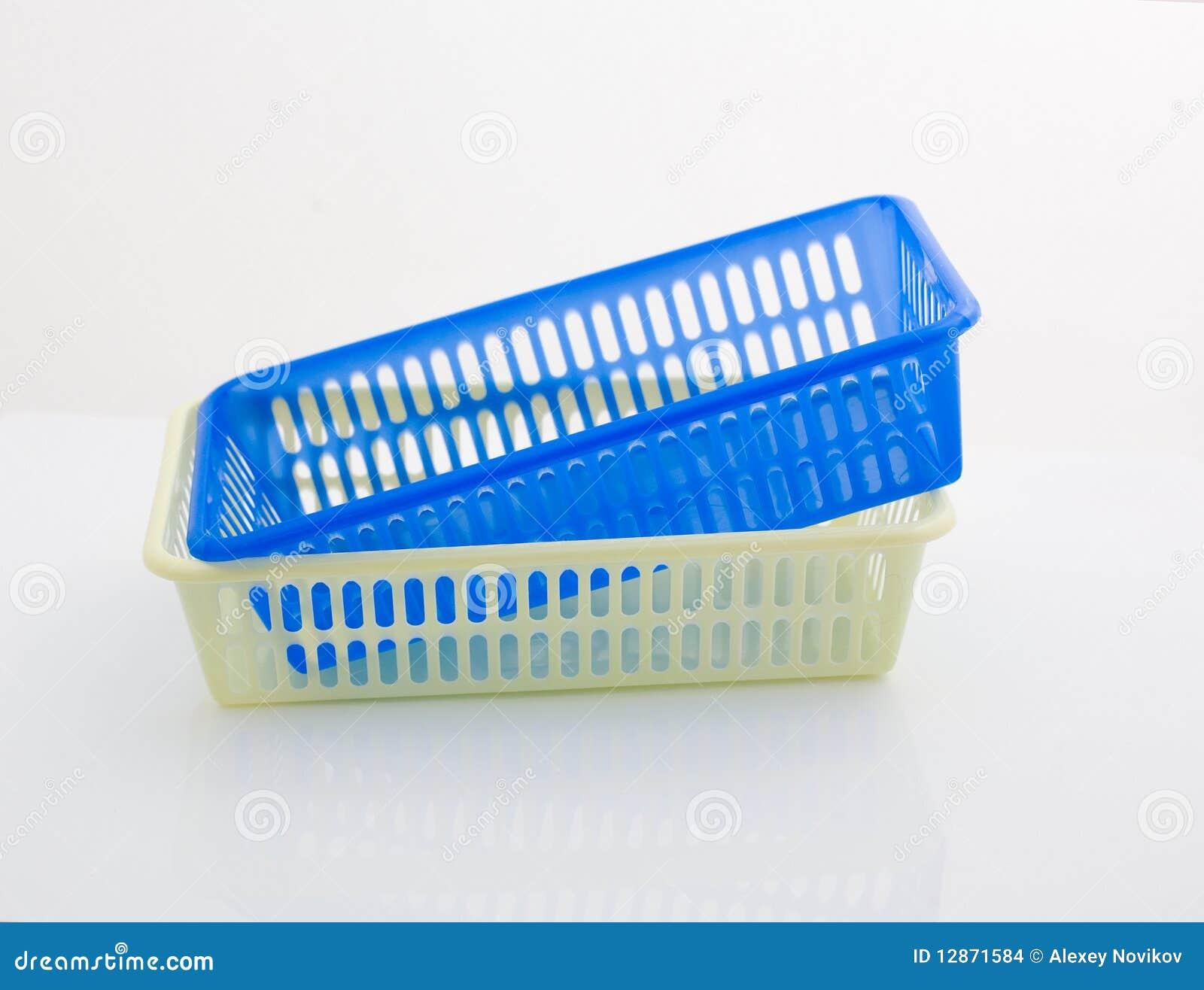 Cestini Di Plastica Immagini Stock - Immagine: 12871584