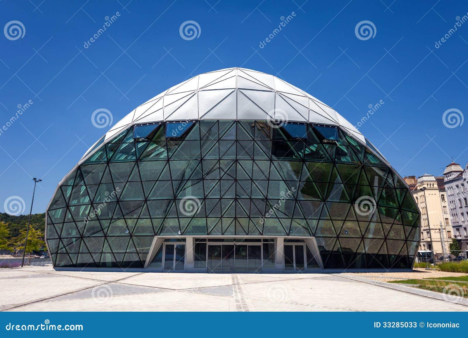 cet budapest modern whale shaped building on the bank of danube stock image image 33285033. Black Bedroom Furniture Sets. Home Design Ideas