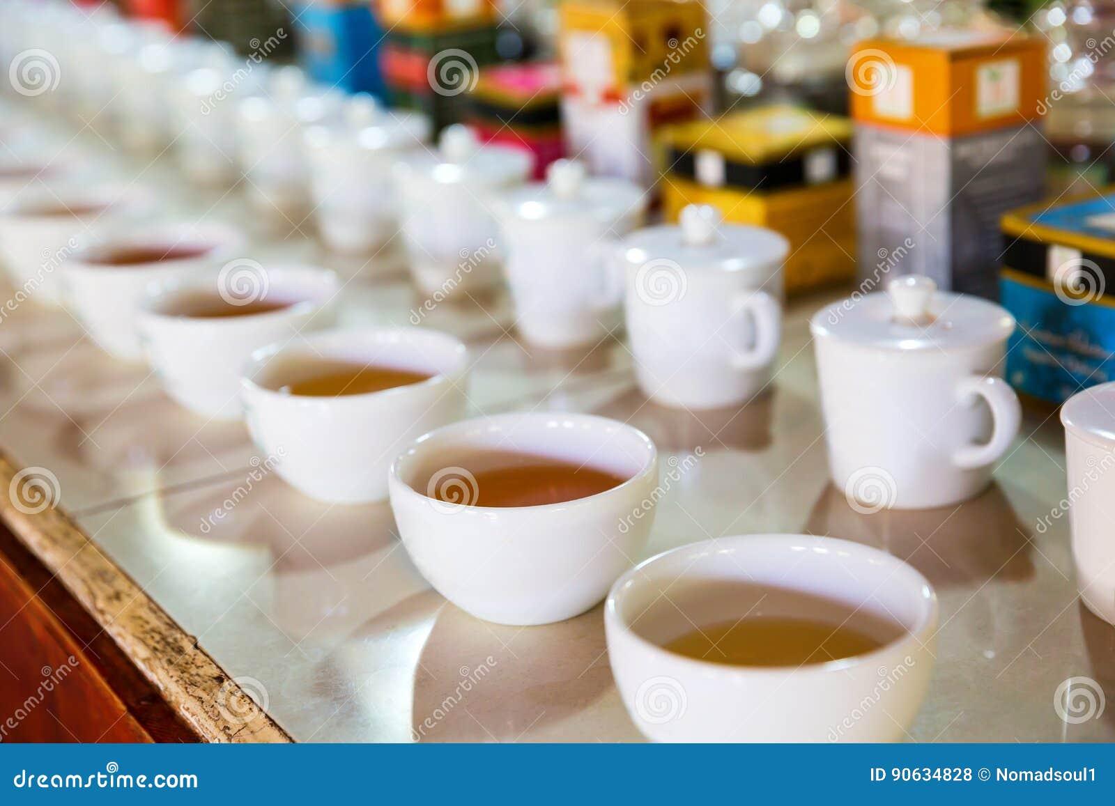 Ceylon herbaciane smaczne filiżanki, turystyczna wycieczka