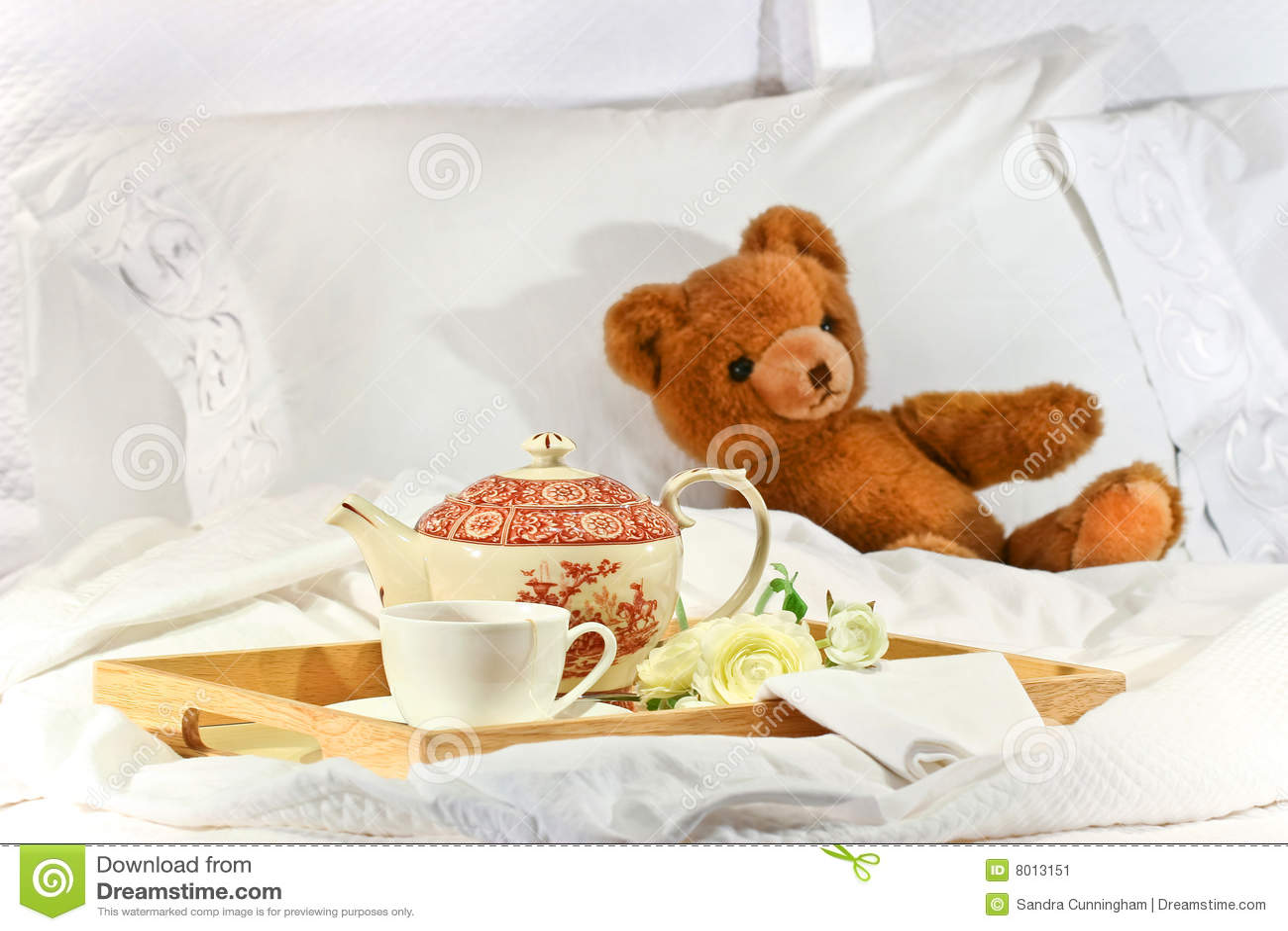 Chá na cama com peluche
