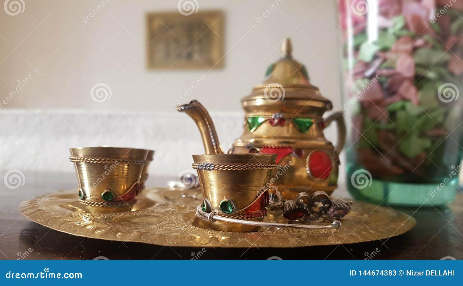 Chá-potenciômetro tradicional marroquino