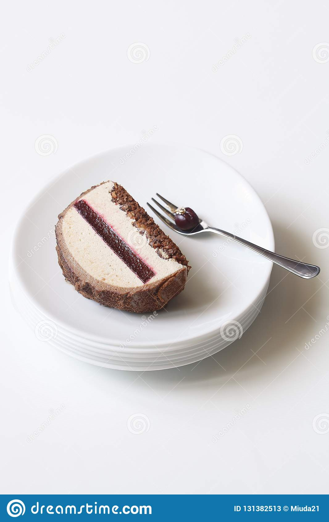 Châtaigne Cherry Yule Log Cake