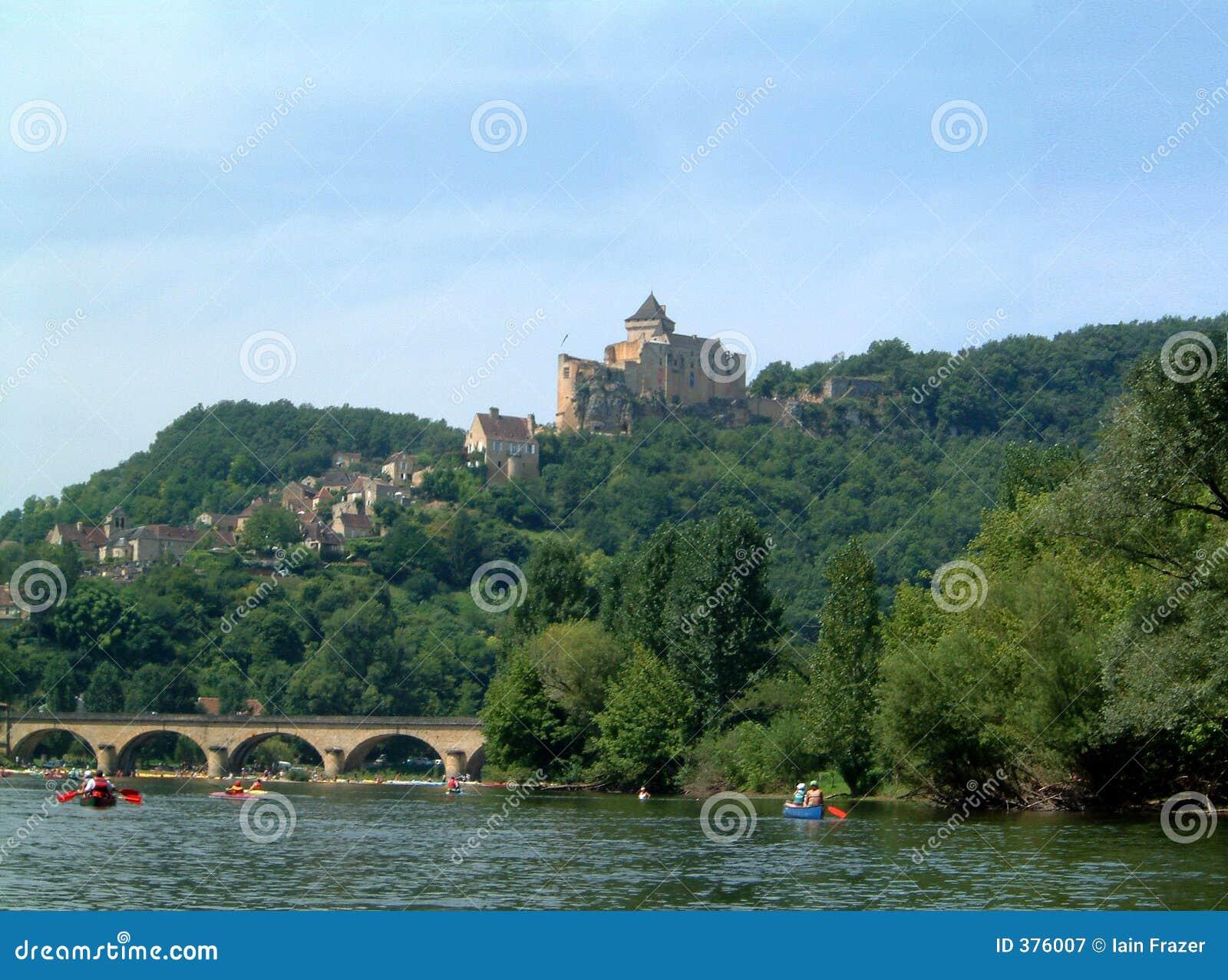 Château au-dessus de Dordogne