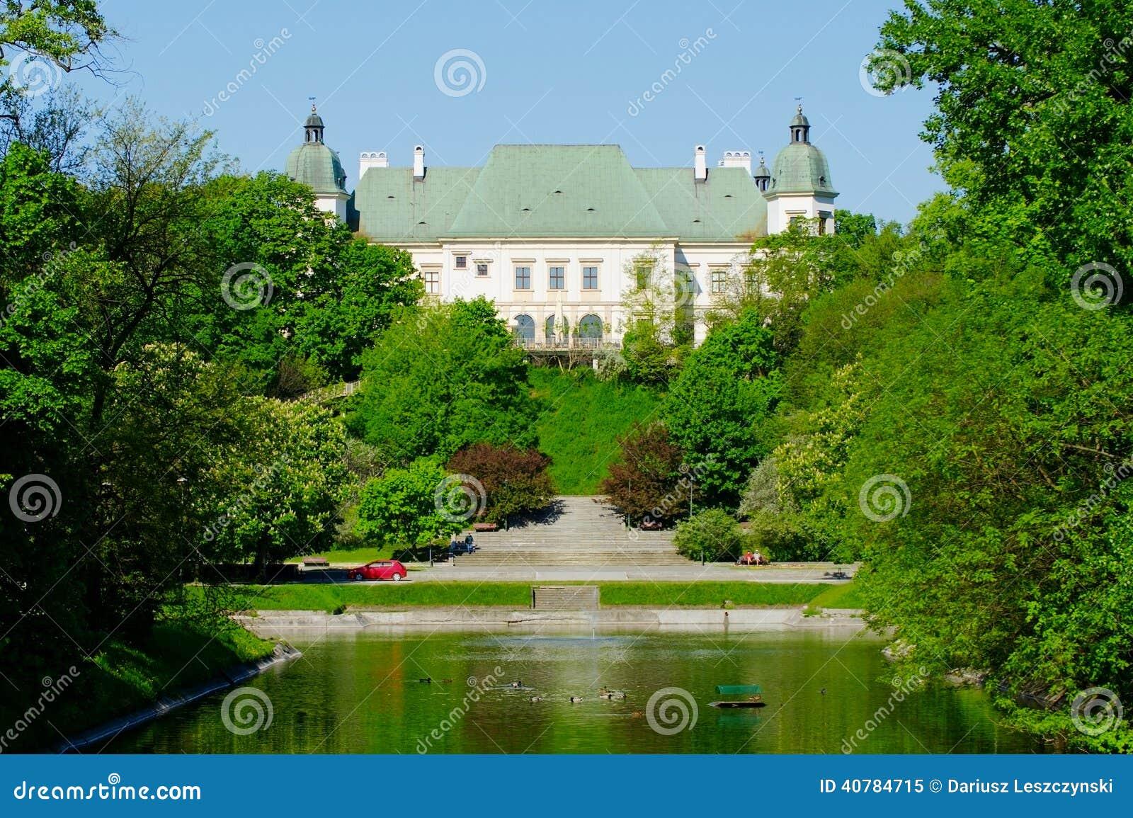 Château d Ujazdow, vu du canal royal, Varsovie, Pologne
