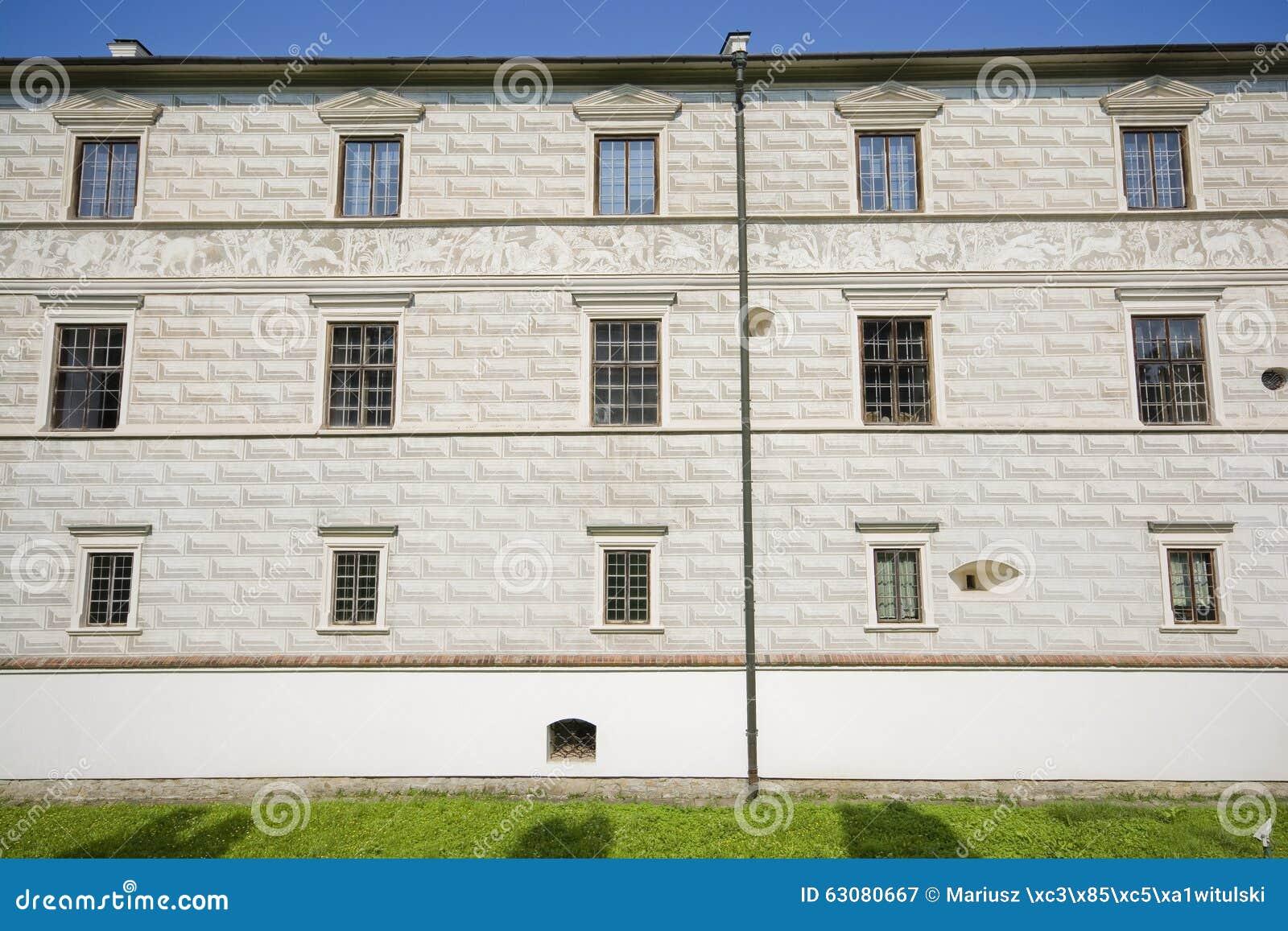 Download Château dans Krasiczyn image stock. Image du pelouse - 63080667