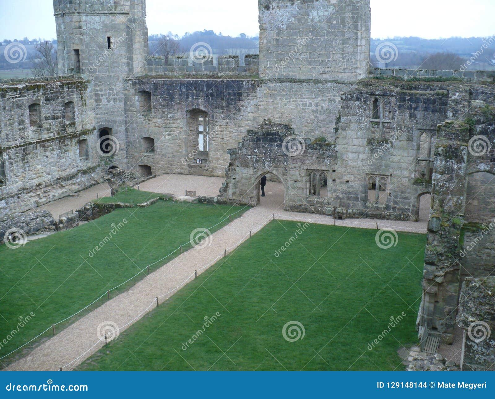 Château de Bodiam d une perspective intérieure