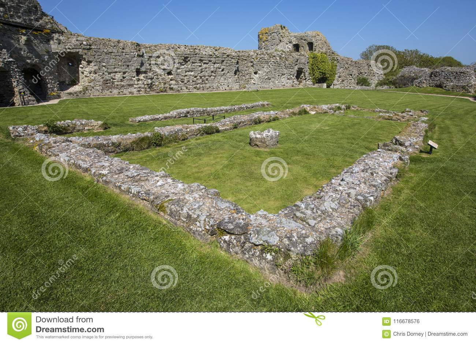 Château de Pevensey dans le Sussex est