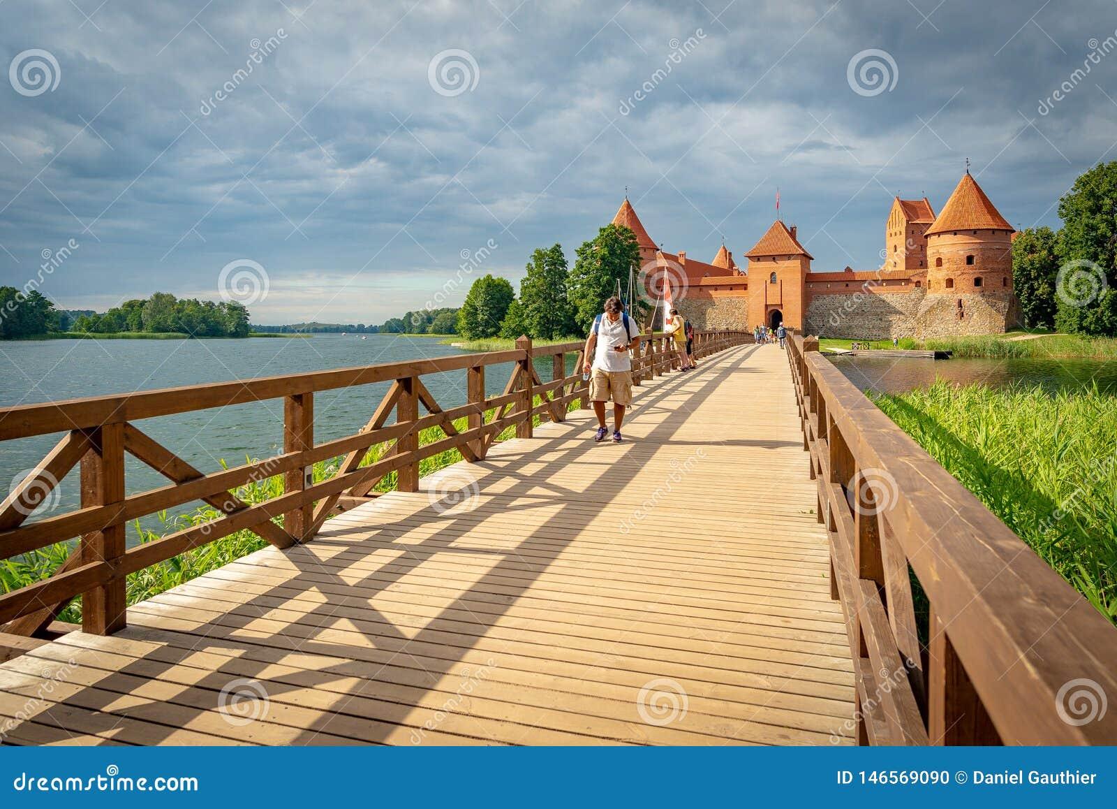 Château de Trakai sur une île de lac Galve, Lithuanie
