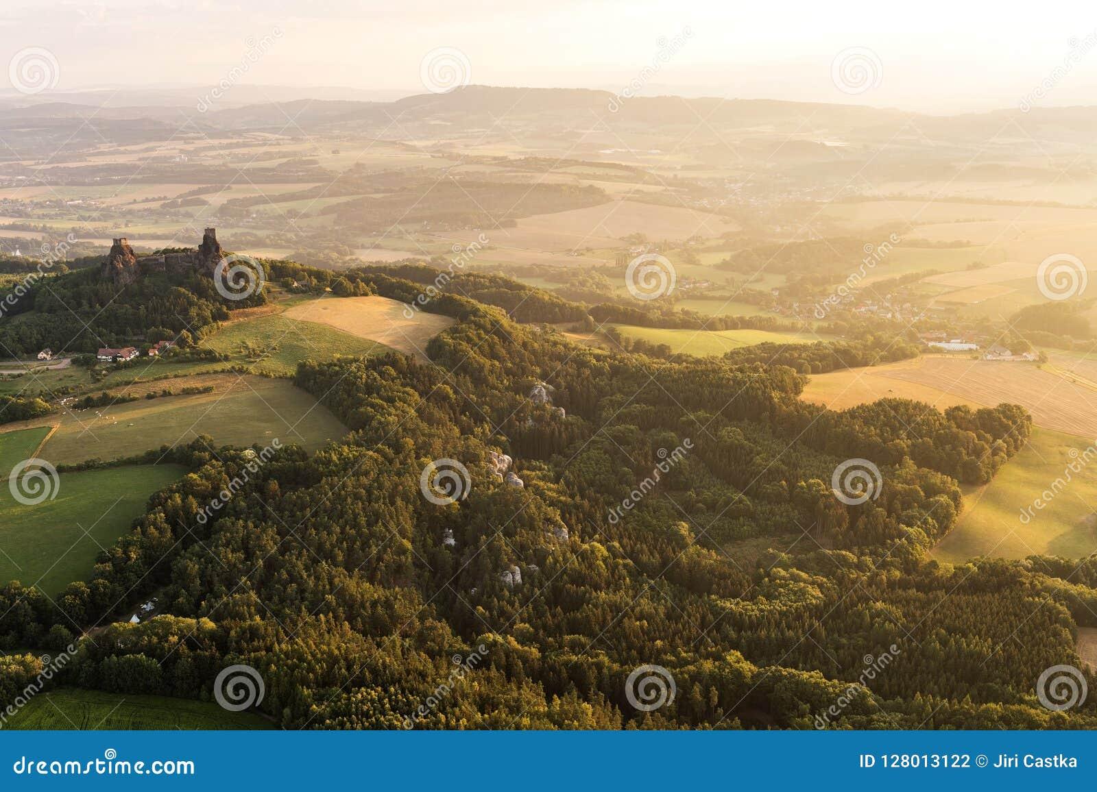 Château de Trosky dans le paradis de Bohème