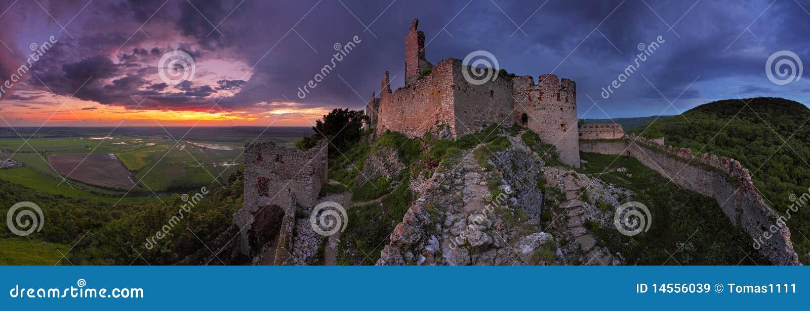 Château hanté - vue panoramique