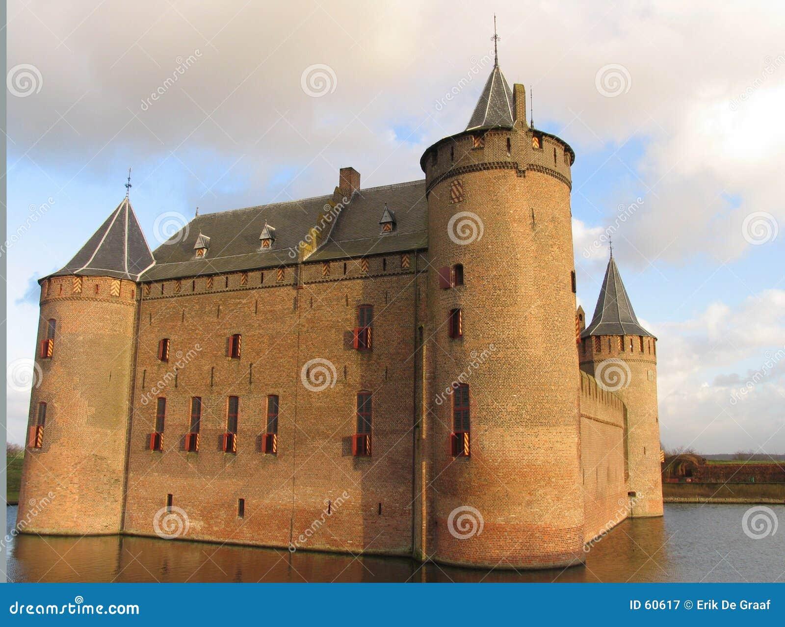 Download Château hollandais image stock. Image du nuage, briques - 60617