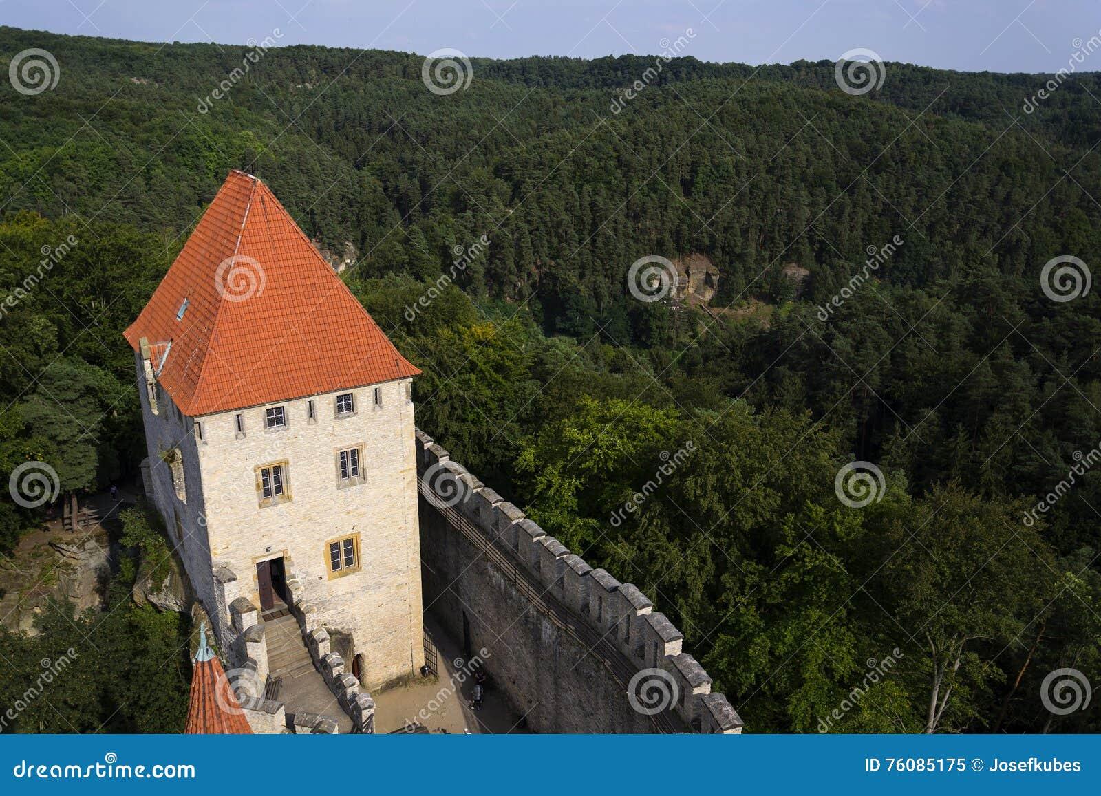 Château médiéval de Kokorin dans la République Tchèque