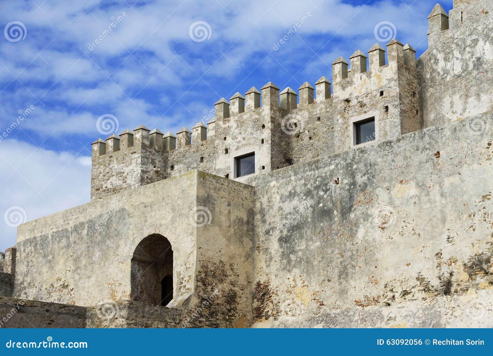 Download Château Médiéval, EL Bueno, Tarifa De Guzman Photo stock - Image du âges, espagne: 63092056