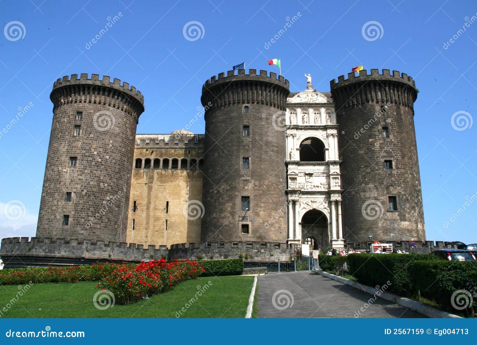 Château Nuovo, Naples