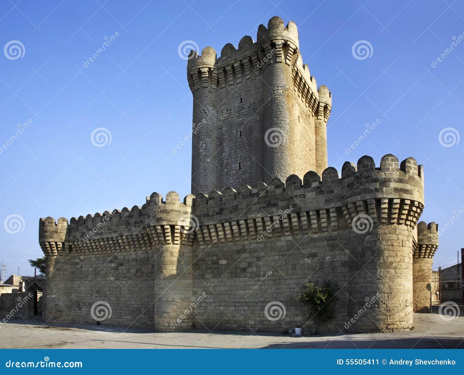 Château quadrangulaire dans Mardakan l azerbaïdjan