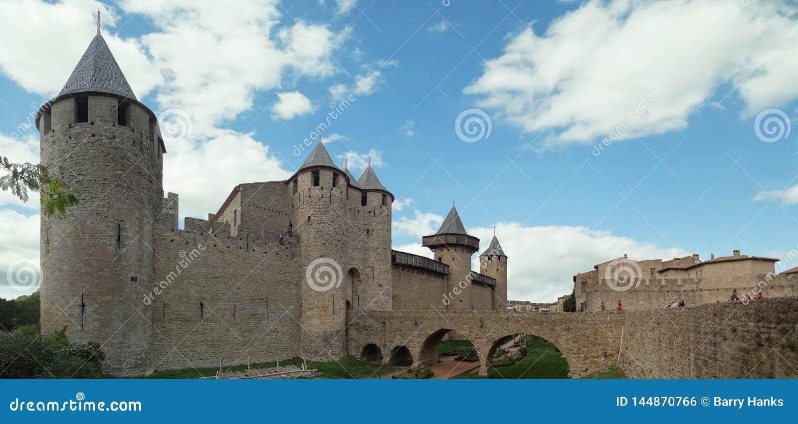 Château Comtal ? la ville mur?e m?di?vale de Carcassonne