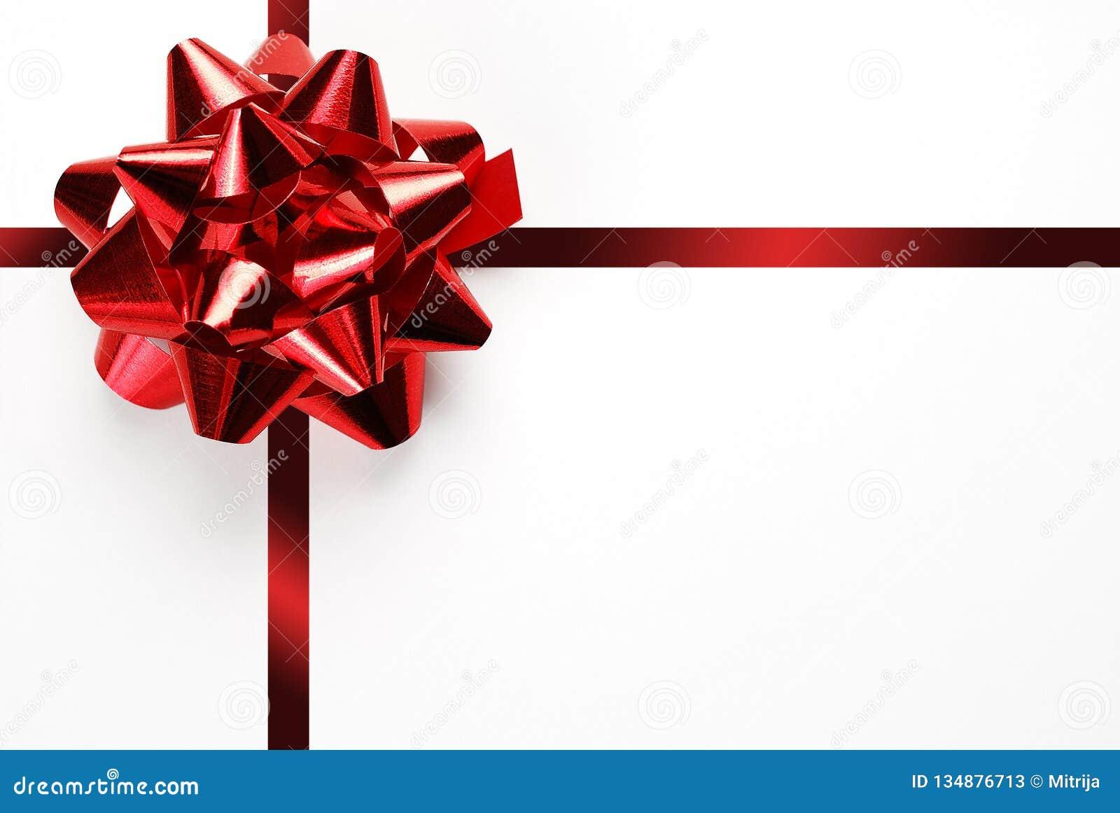 Chèque Cadeau Vierge Blanc Avec Larc Et Le Ruban Rouges