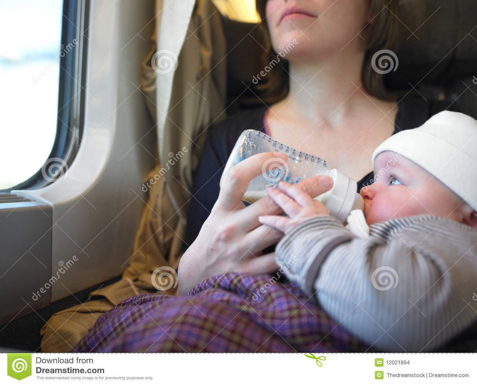 Chéri alimentante de mère