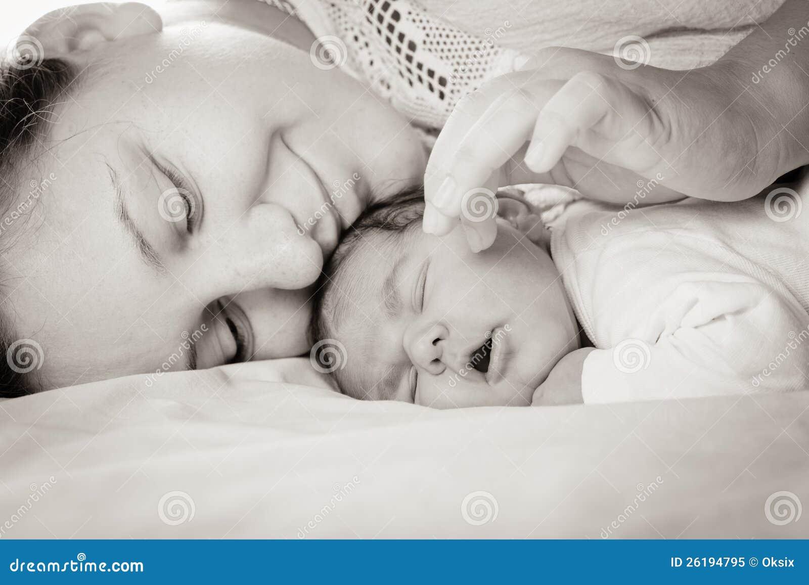 Chéri avec la maman