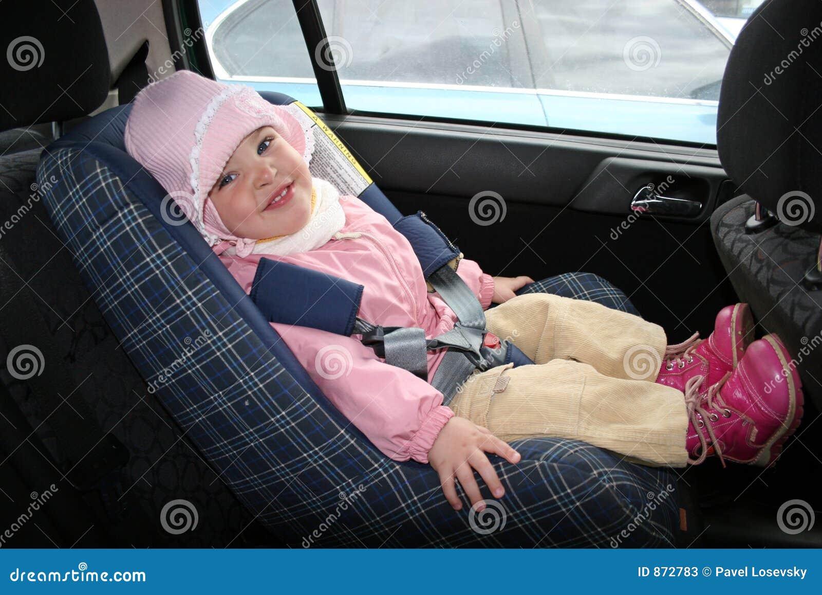 Chéri dans le véhicule