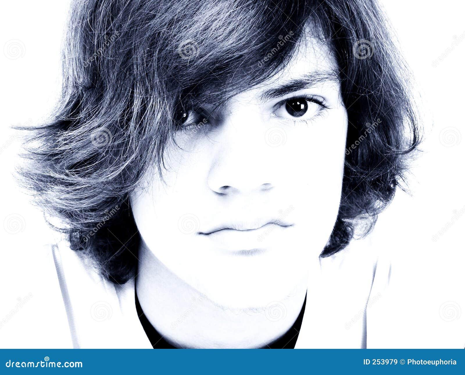 Chłopak się niebieskiej nastolatek ton,